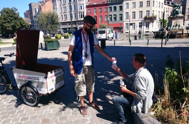 De mobiele teams : eerste contact met de daklozen