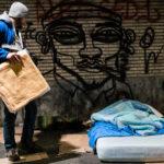 Tekst en beeld : rij mee met onze mobiele teams, op zoek naar de meest kwetsbaare daklozen in Brussel