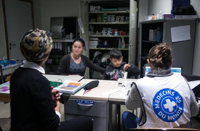 Plan hiver médical de Médecins du Monde – Ils soignent les personnes que nous hébergeons.