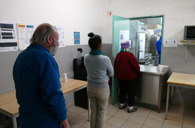 Dringend meer testen nodig om epidemie te vertragen. Betere zorg voor de zieken en de hulpverleners
