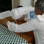 """Ilham, bewoonster van ons transithuis Cardijn: """"Het was altijd mijn droom om naaister te worden""""."""