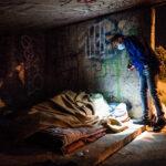 """Avondklok Covid-19: Een """"certificaat van niet-verblijf"""" om de daklozen te helpen"""